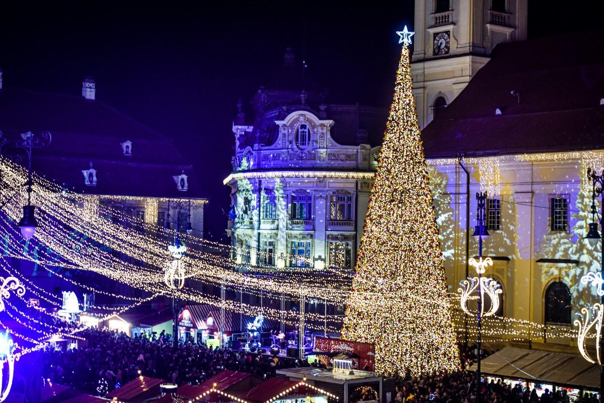 """Târgul de Crăciun din Sibiu a ajuns până în New York Times: """"Modern, în stil Transilvănean"""""""