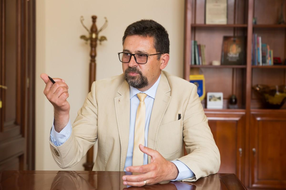 """Interviu. Tiberiu Drăgan, noul viceprimar al Sibiului. """"Eu am o idee: transportul în comun să fie gratis"""""""