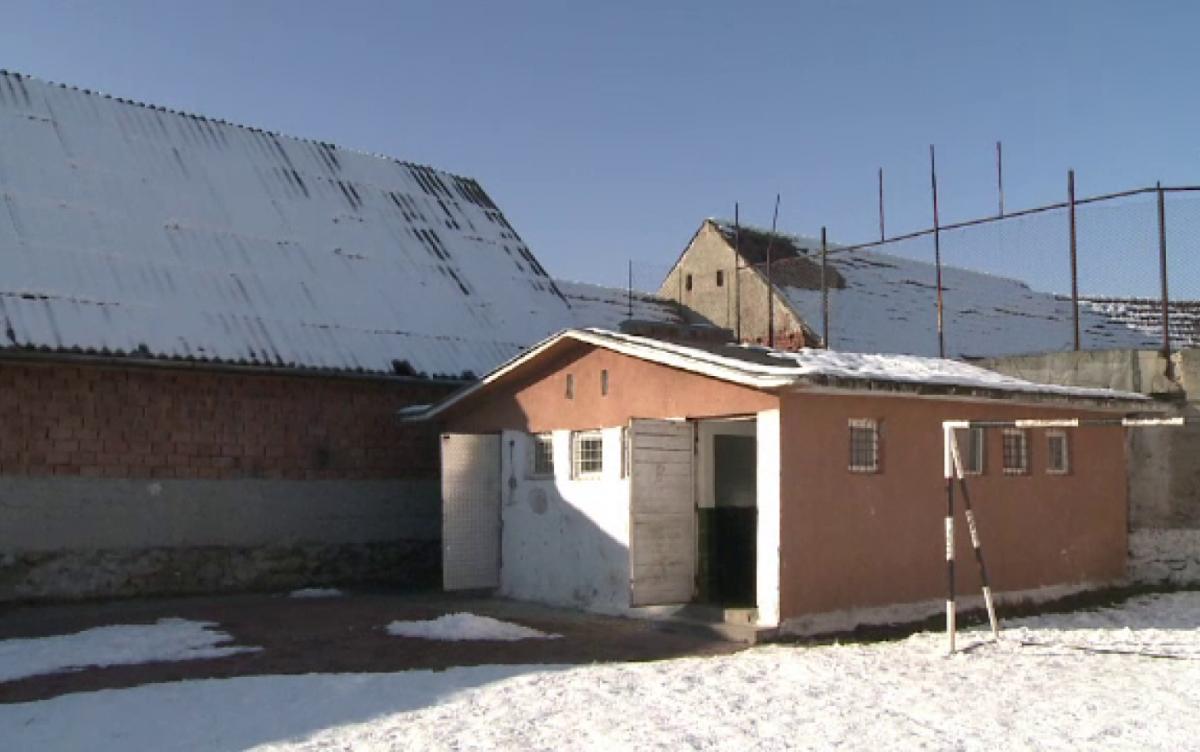 """Un nou ministru, o nouă verificare a toaletelor din curțile școlilor: """"Urgent!!!!"""""""