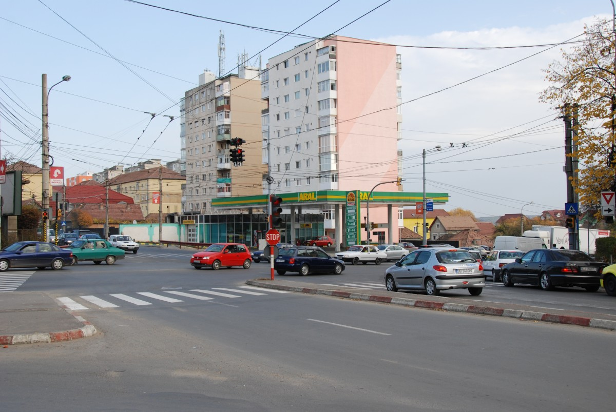 O parte din benzinăriile Aral au fost închiriate azerilor. Consiliul Concurenței analizează tranzacția