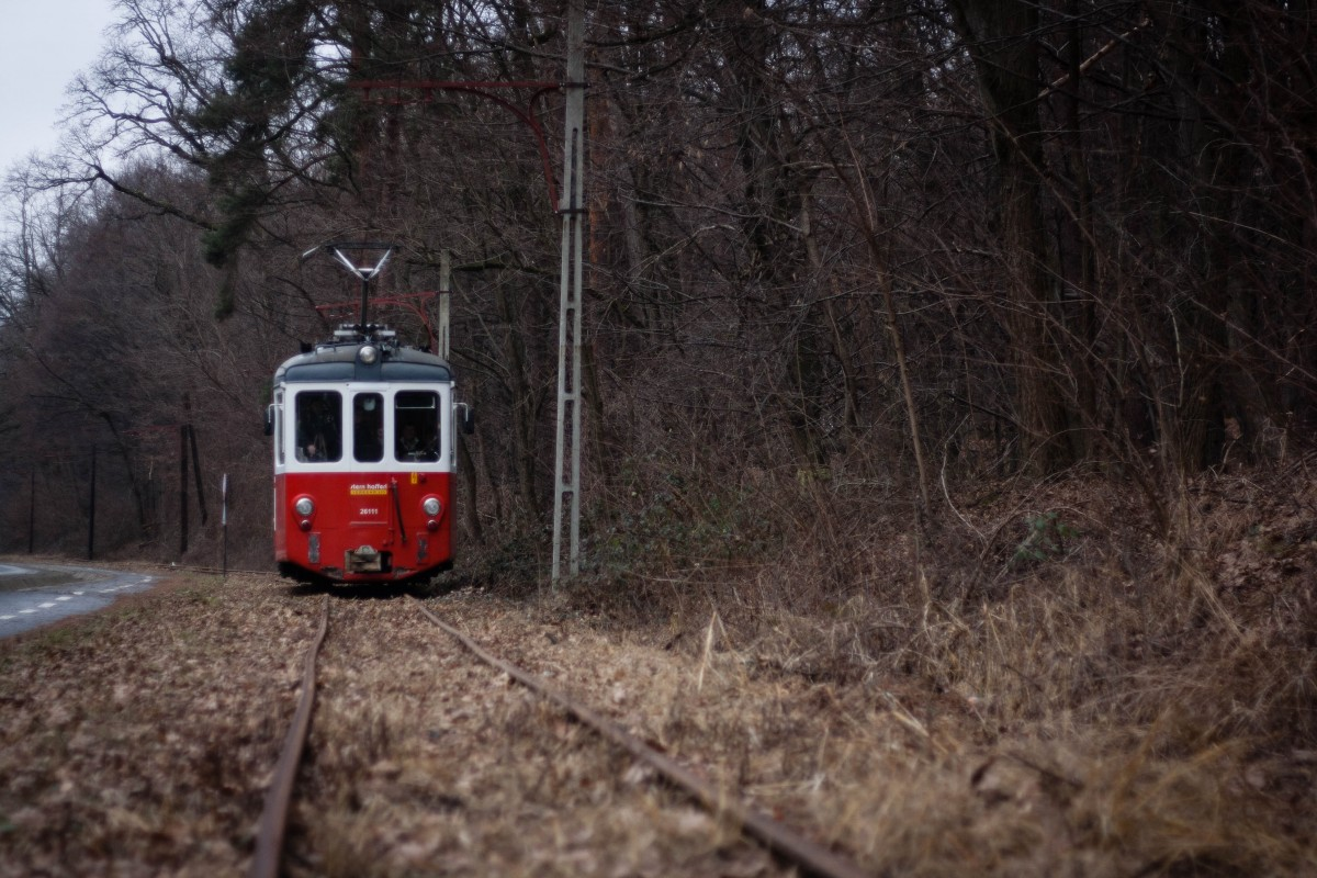 Lansare de carte în tramvaiul care vine din Sibiu la Rășinari