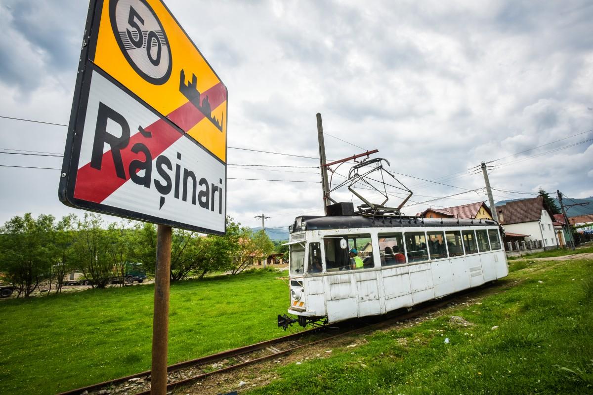 FOTO - VIDEO M-am plimbat cu tramvaiul de la Rășinari la Sibiu, după patru ani. O bucurie!