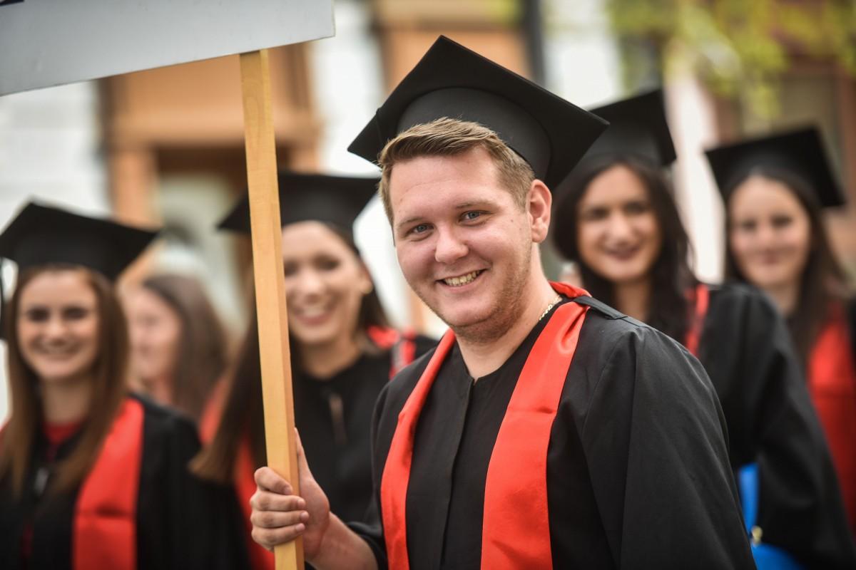 """Cei mai puțini studenți din ultimii 20 de ani. La Sibiu """"lucrurile stau bine"""""""