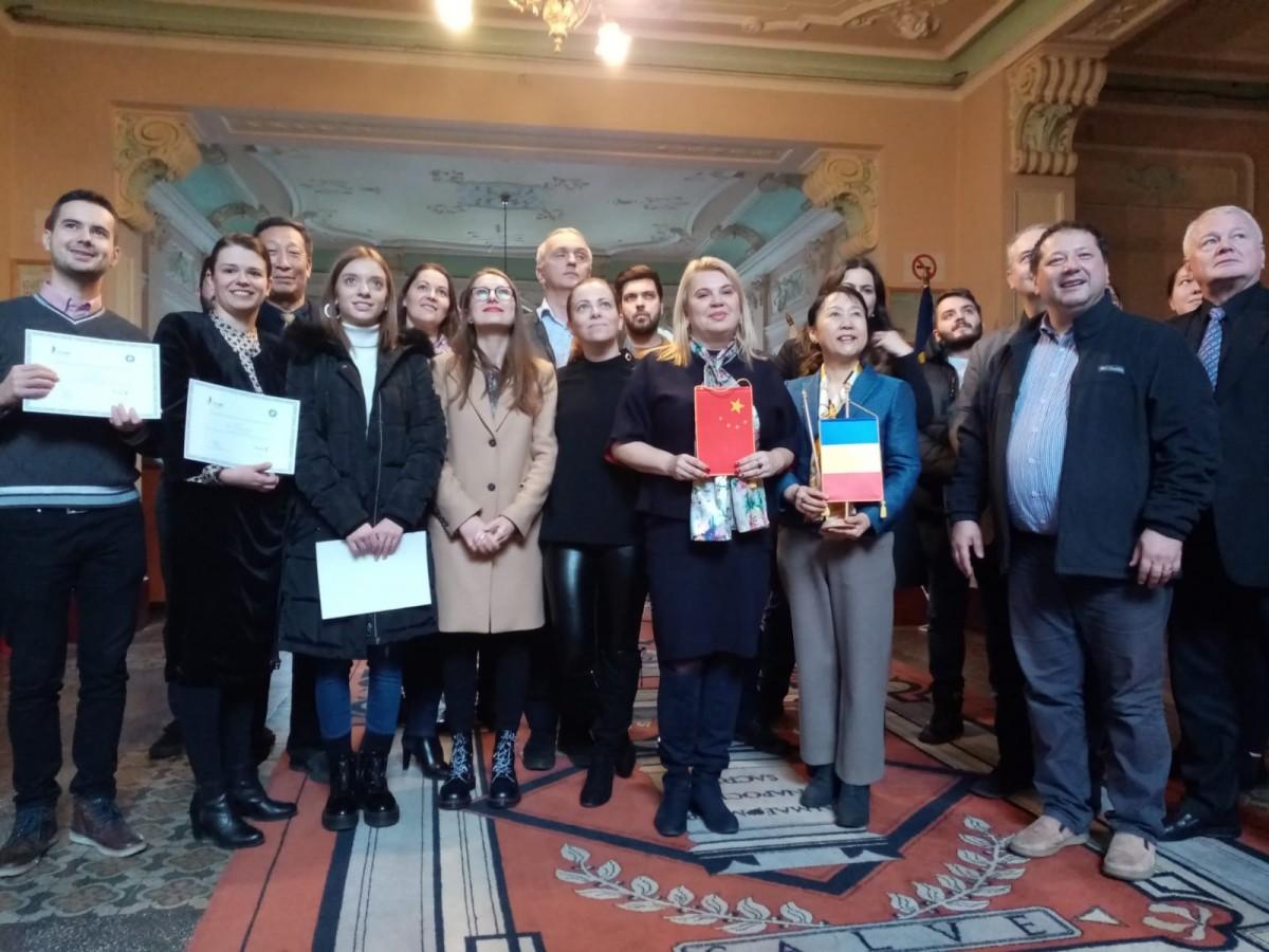 Prima școală de afaceri româno-chineză la Sibiu: 50 de înscriși, 27 de absolvenți