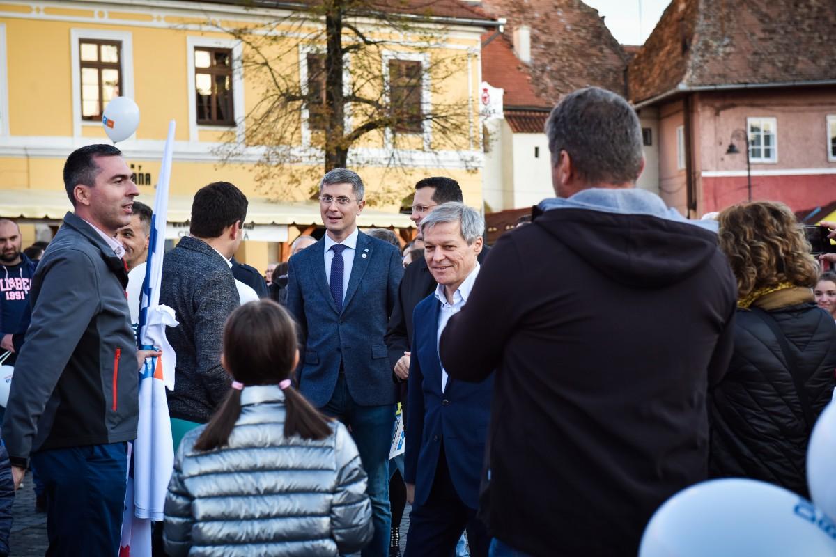 Cioloș și Barna:Alianţa USR PLUS îl susţine pe Klaus Iohannis în turul al doilea