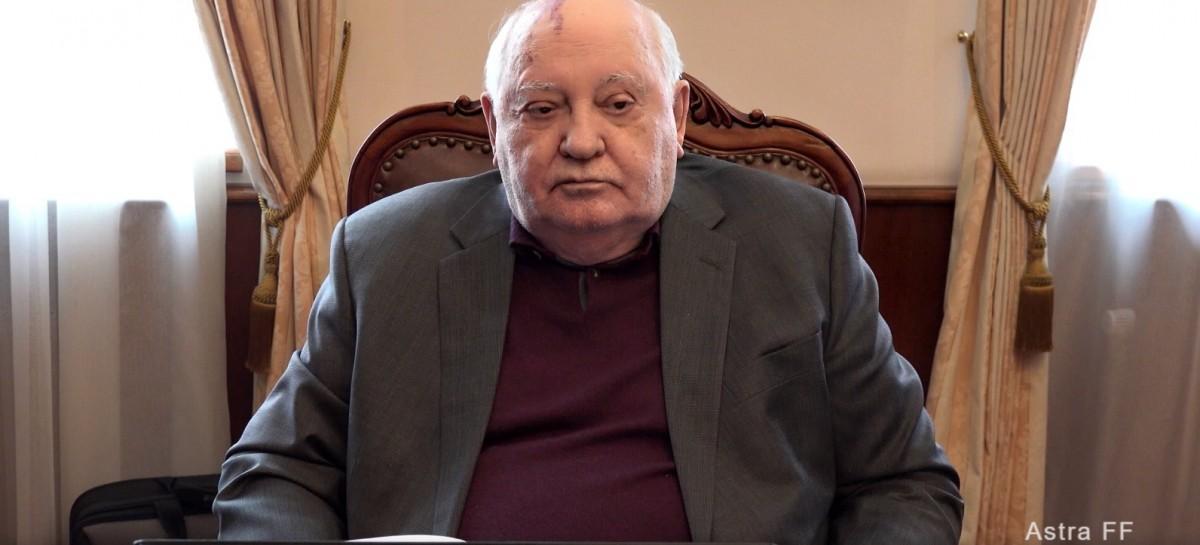 """""""Întâlnire cu Gorbaciov"""" – URSS-ul """"mai democratic, mai socialist"""", care lipsește din cartea de istorie"""
