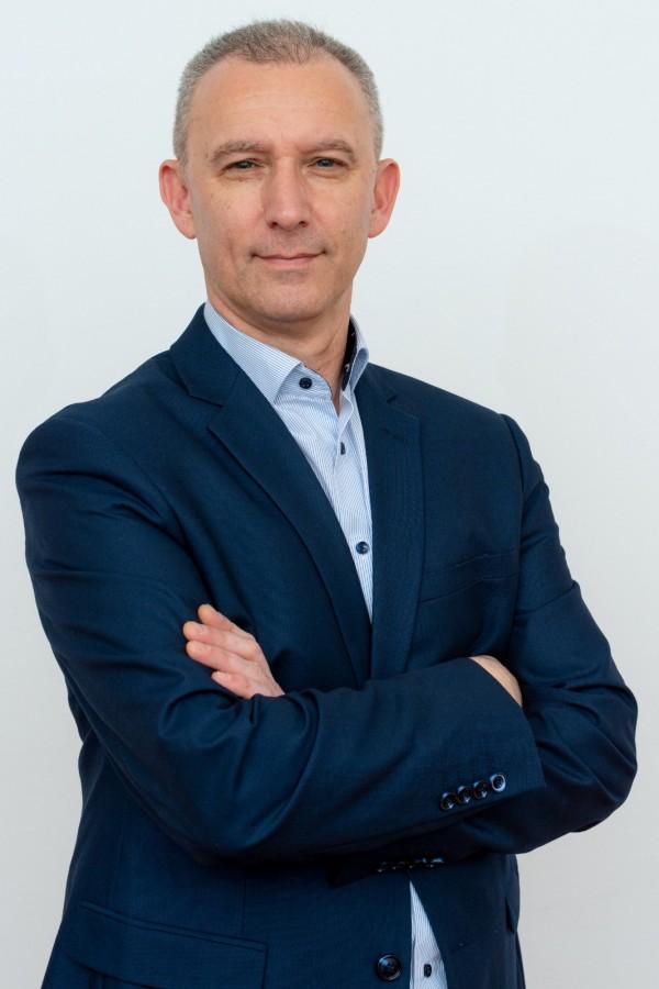Interviu cu Raul Apostoiu, candidatul Plus la primărie: Sibiul a ajuns un oraș murdar. Poliția Locală nu-și face treaba