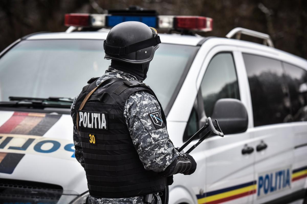 Hoți bănuiți de furturi din locuințe din Sibiu și alte județe, prinși de polițiști