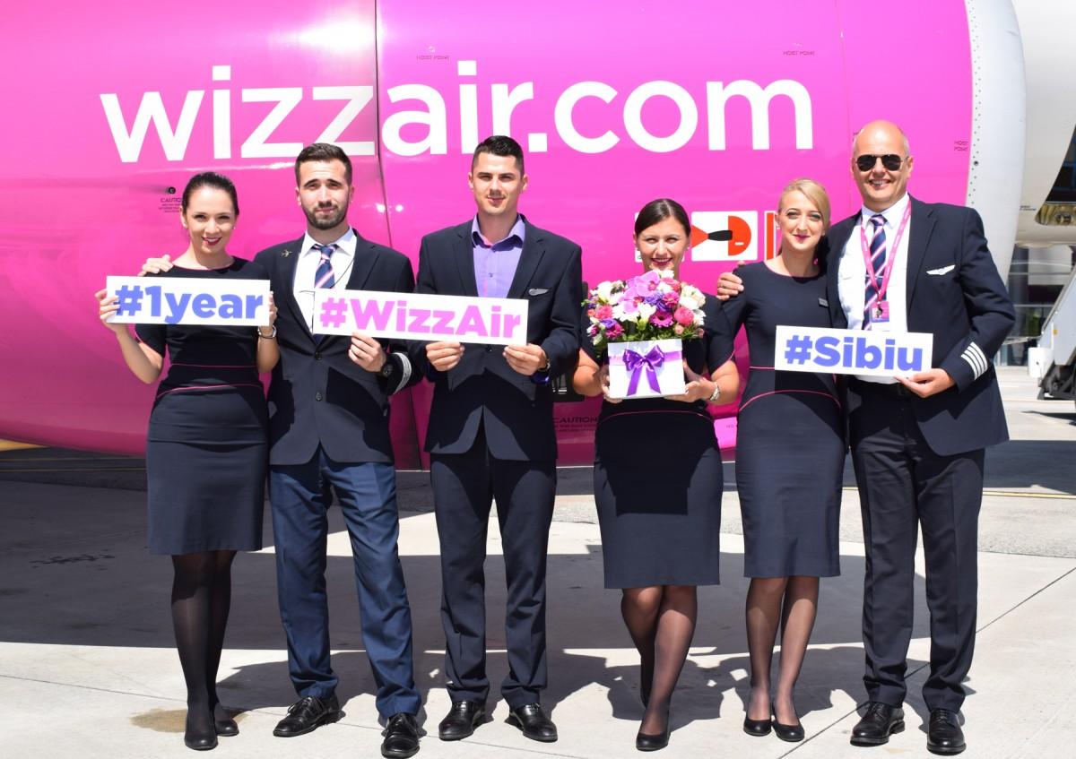 Wizz Air aniversează un an de la deschiderea bazei din Sibiu. Număr record de pasageri