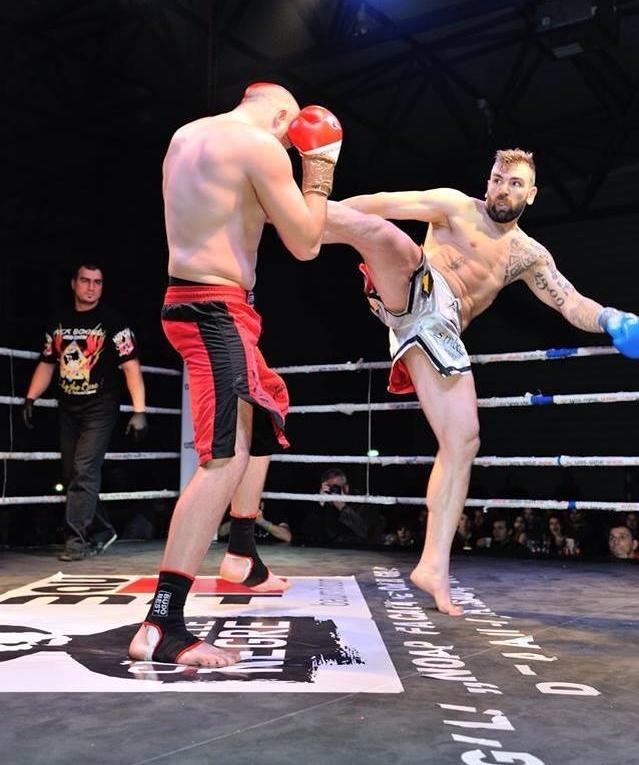 """Tot mai sus: cele șase luni spartane și următorul nivel. """"Spartanul"""" Izidor Bunea are primul meci de kickboxing în Germania"""
