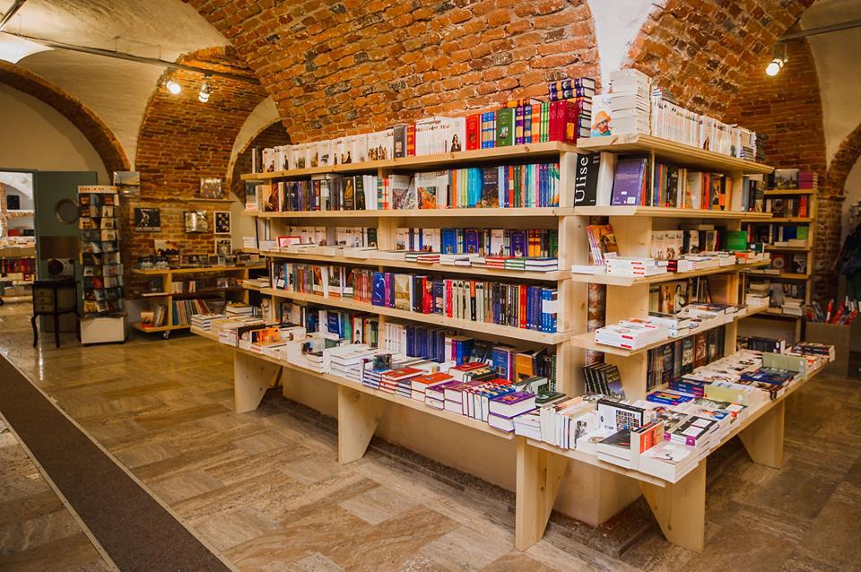 Top trei cele mai vândute cărți în Sibiu. Prețuri de la 10 la 300 de lei