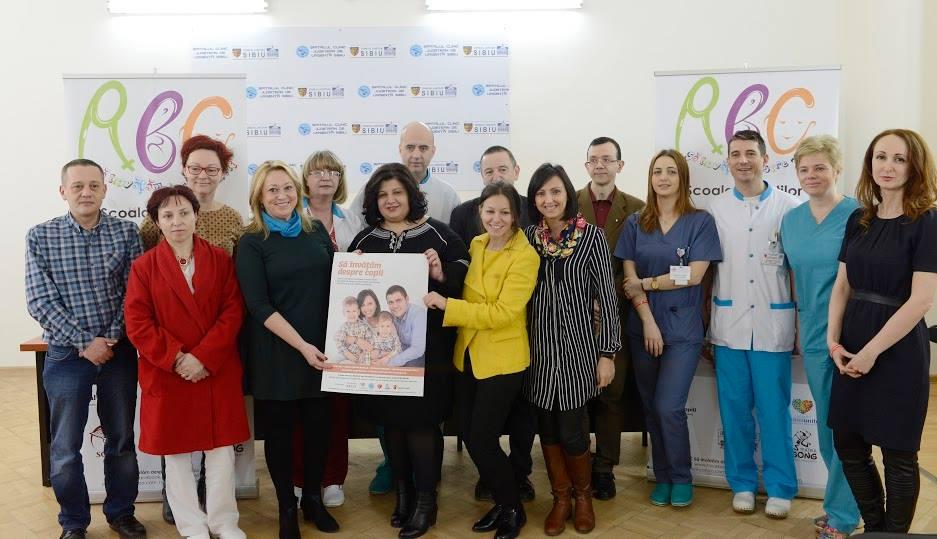 """La Sibiu se lansează """"Şcoala părinţilor"""". Dr. Ognean: """"E nevoie de educație, căci suntem țara din UE cu cele mai multe mame minore"""""""