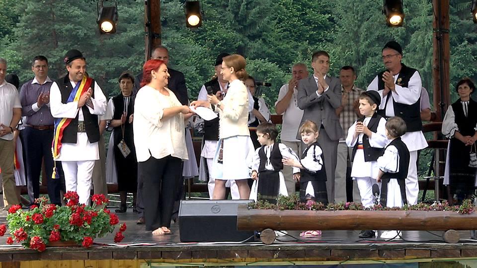 Silvia Macrea a primit Diploma de Excelență pentru promovarea culturii tradiționale