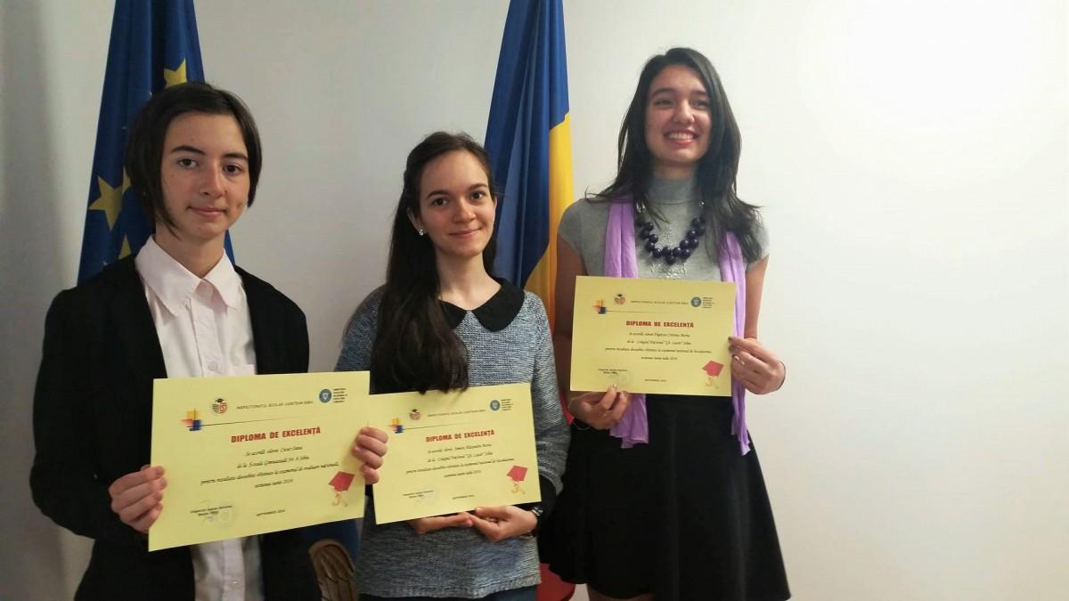 """Elevele de zece ale Sibiului au fost premiate. """"A fost un an plin de mult efort"""