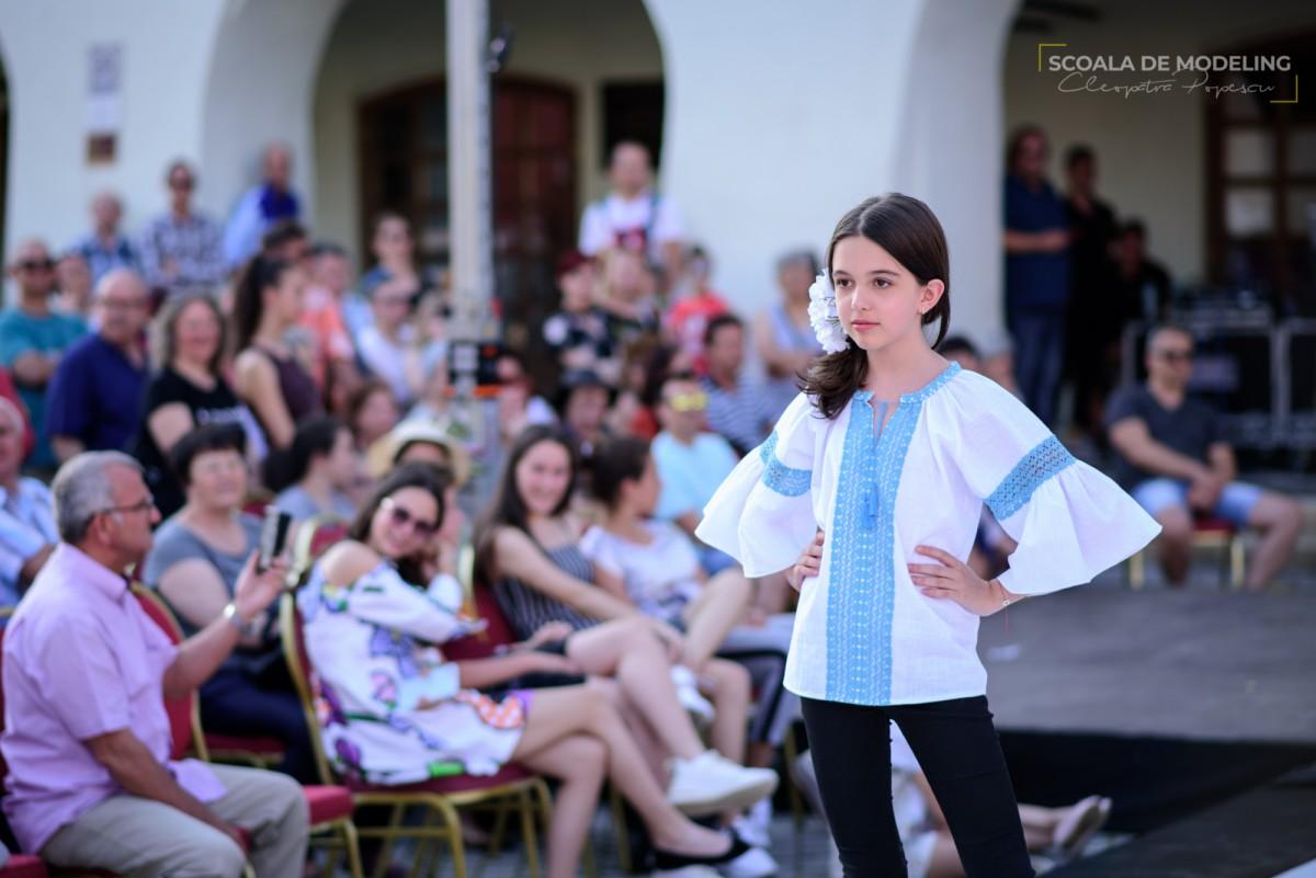 Lumea lui Prichindel a reunit în Piața Mică unii din cei mai deosebiți copilași, în weekend