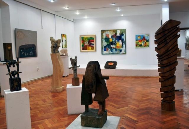 Peste 60 de artiști vin la Saloanele ASTREI
