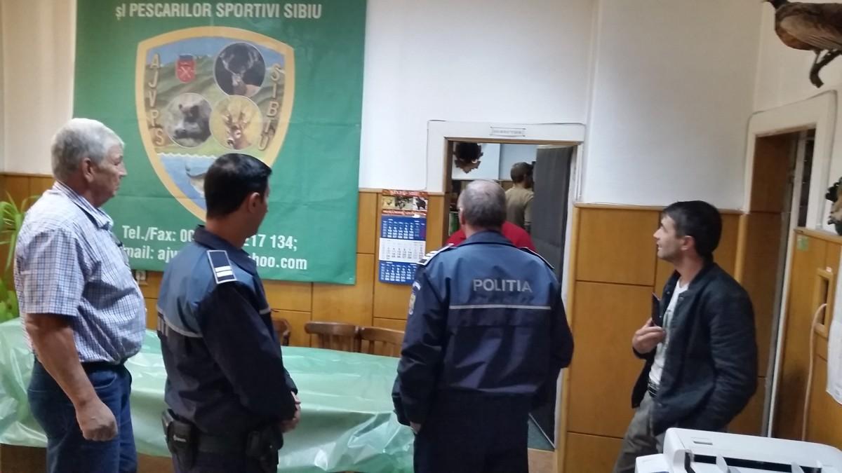 FOTO – Noua conducere a intrat în sediul AJVPS cu Poliția. Plus o coincidență uriașă