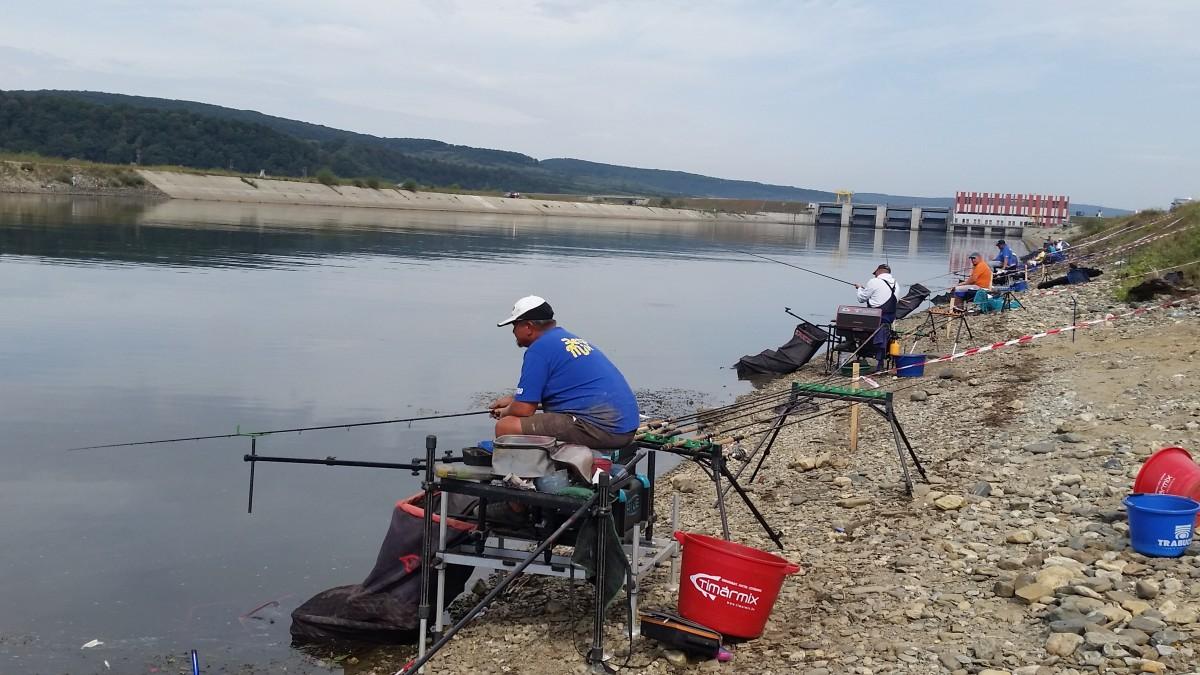 FOTO-VIDEO Sibiul a găzduit finala națională de pescuit la feeder