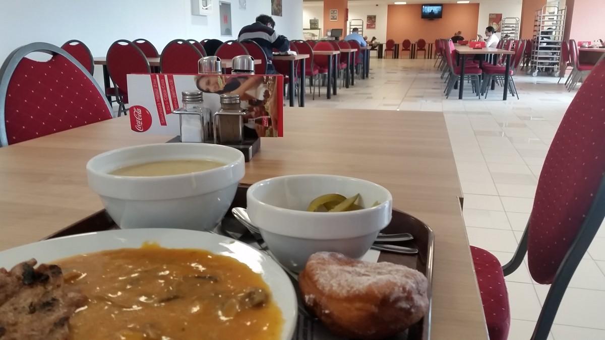 Am mâncat la Business Lunch, în turnul lui Carabulea
