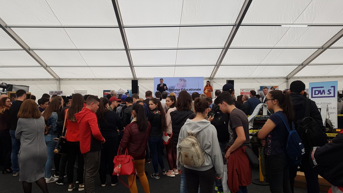 Meserie sau facultate? Ce cred tinerii din județul Sibiu