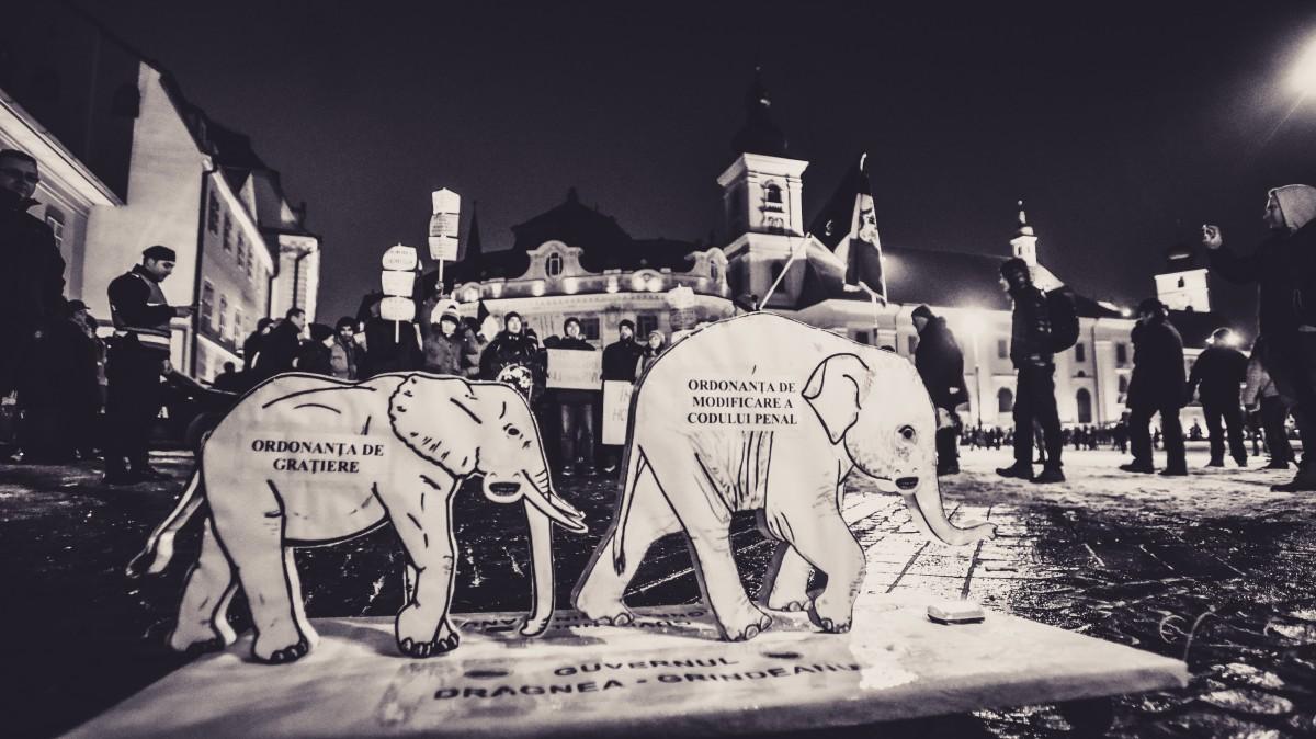 Un nou mitinganti-grațiere, duminică.Protestatarii mărșăluiesc și pe Mihai Viteazu