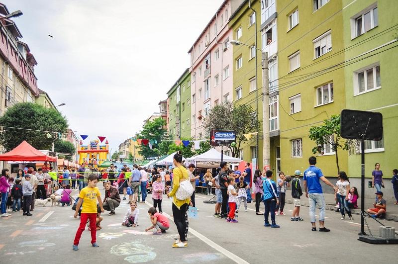 Zilele cartierului Vasile Aaron: strada Semaforului neincapatoare pentru sibienii iesiti sa petreaca