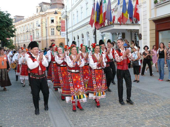"""""""Cântecele Munților"""" răsună astăzi în centrul Sibiului"""