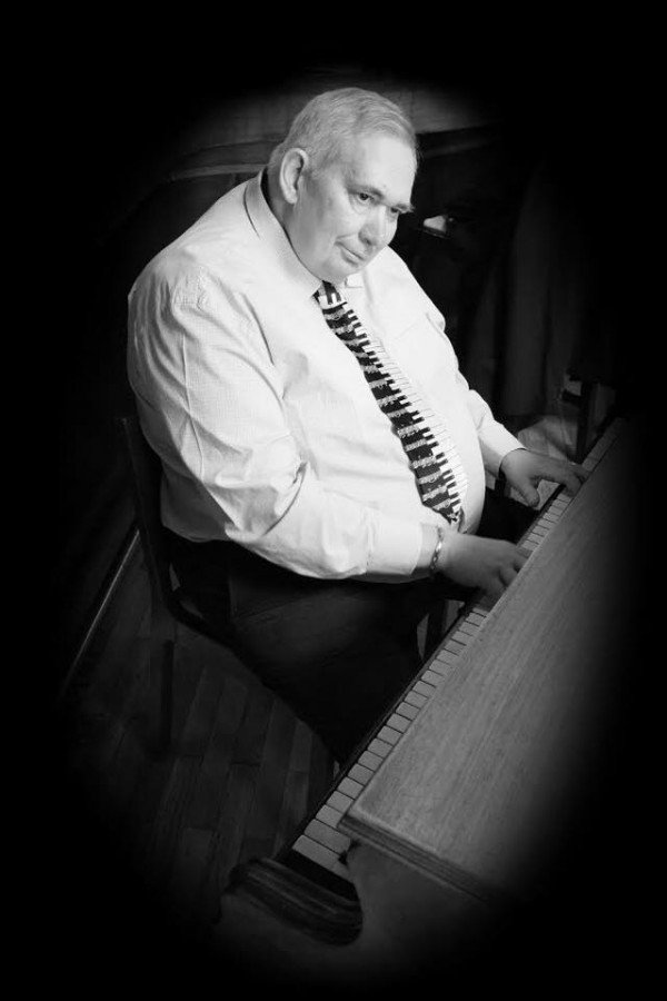 In Memoriam Laci Hunyadi,pianistul de la Atrium