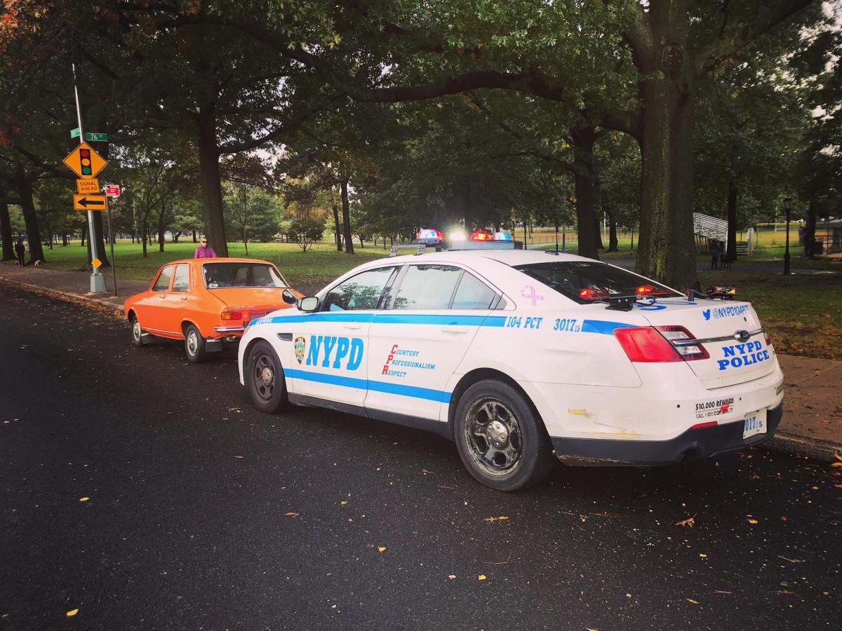 """Un român cu Dacia 1300 de epocă, oprit de poliția din New York. """"Mai era puțin și făceam schimb"""""""