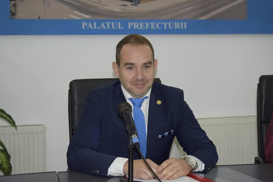 Interviu cu Horațiu Marin, subprefectul județului: Suntem aici 24 de ore din 24