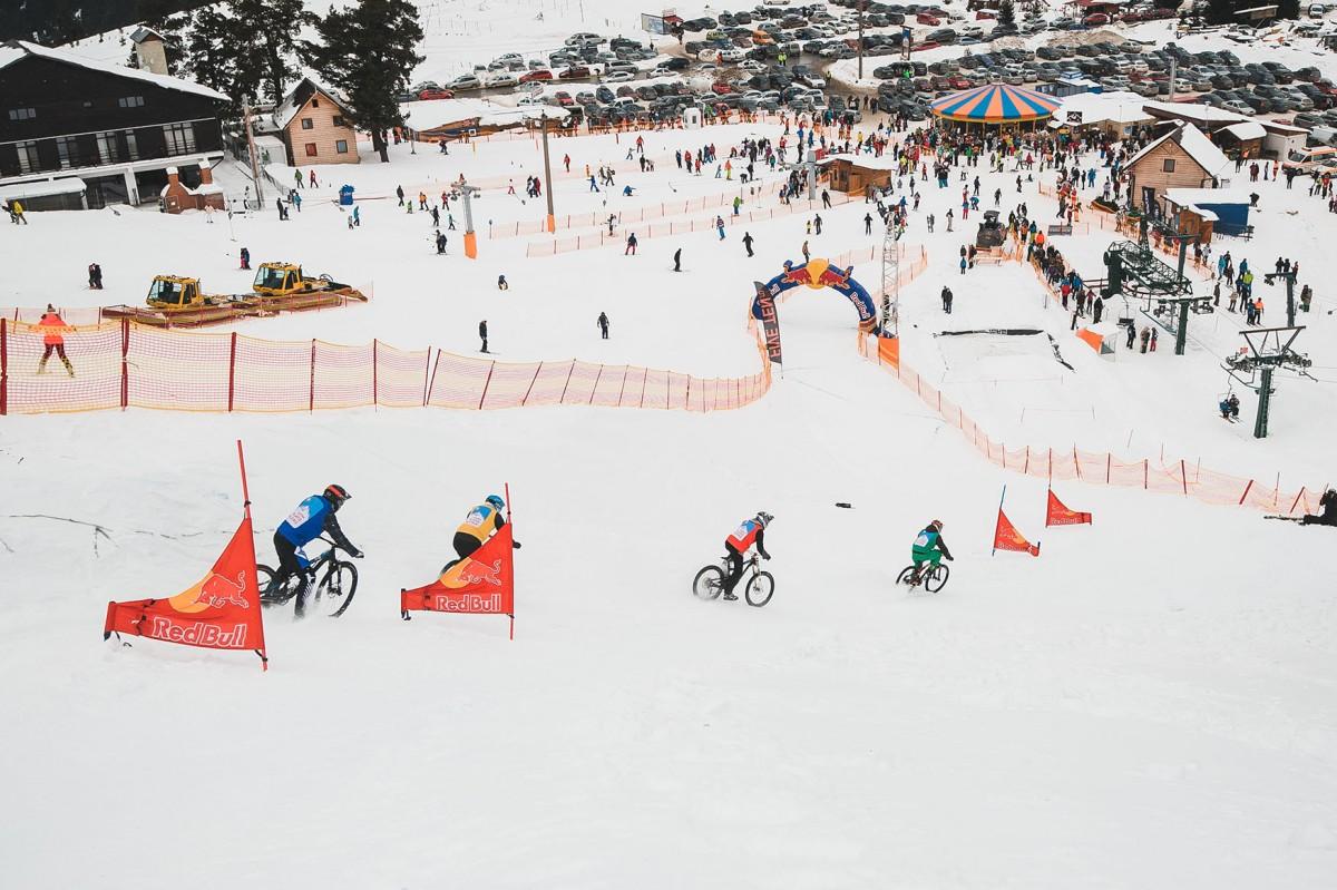 Arena Platoș deschide noul sezon de schi. Vezi programul instalațiilor de transport și prețuri