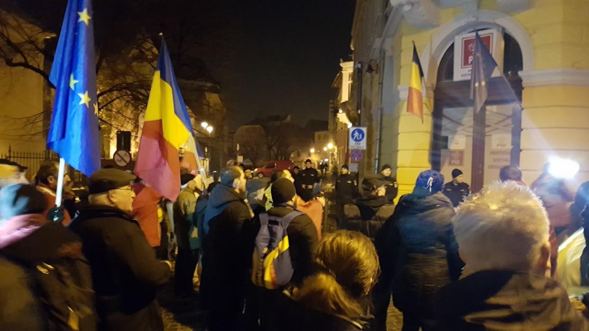 Miting pentru Kovesi la Sibiu. Evenimentul s-a încheiat în fața sediului PSDFOTO VIDEO