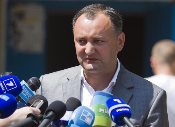 Socialiştii din R.Moldova propun amendarea Constituţiei pentru a preveni eventuala unire cu România