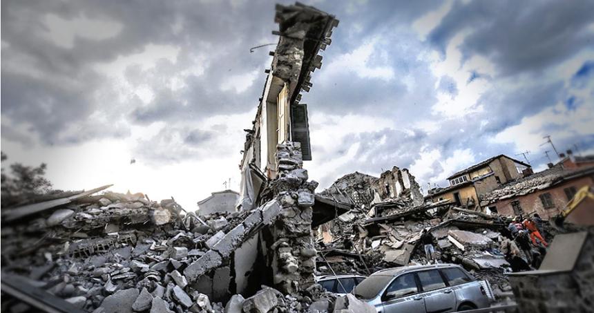Cinci români morţi în cutremurul din Italia, alţi 11 sunt daţi dispăruţi
