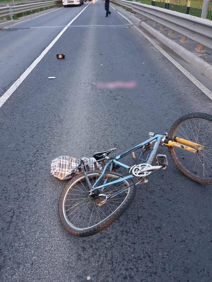 Răsturnare de situație în cazul biciclistului lovit mortal de un BMW: Tânăra crezută vinovată o acoperise pe soacra ei