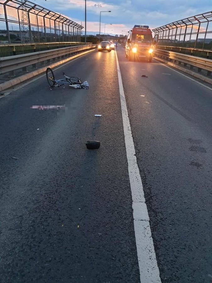 BMW-ul care a lovit mortal un om, condus de o tânără de 27 de ani. Nu avea permis