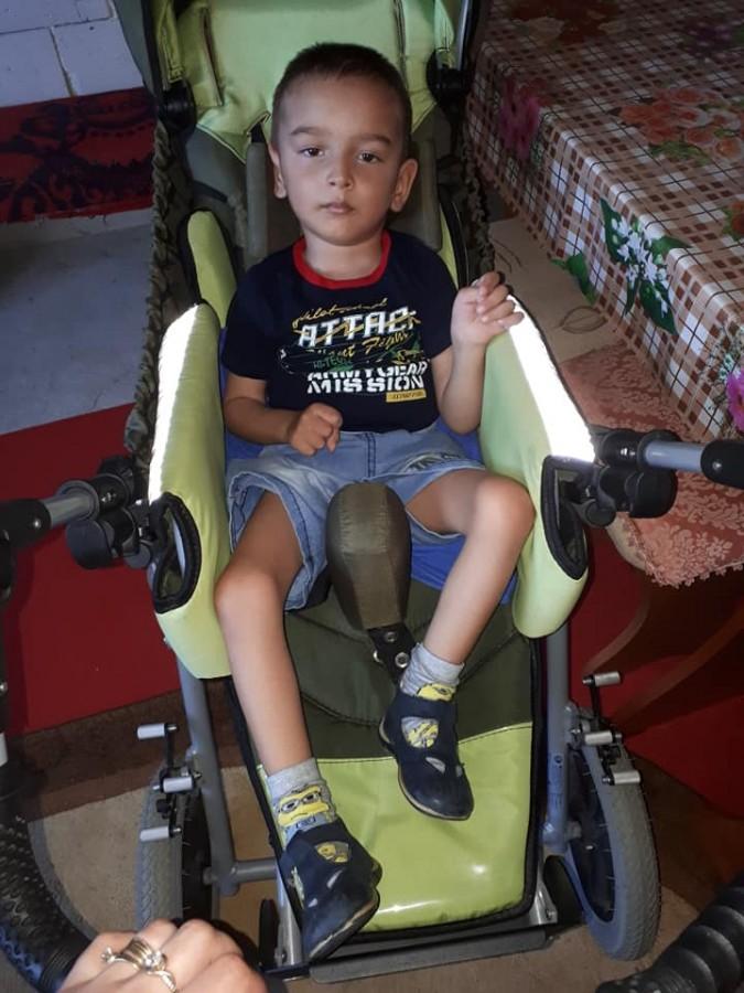 Un băiețel de trei ani are nevoie de ajutorul sibienilor. Este foarte bolnav