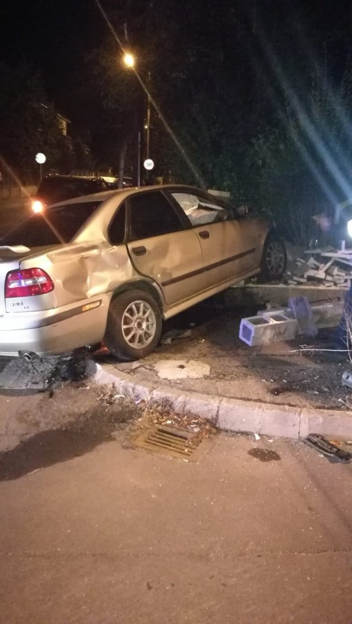 Accident pe Argeșului. Un șofer nu a dat prioritate, la intersecția cu Goethe