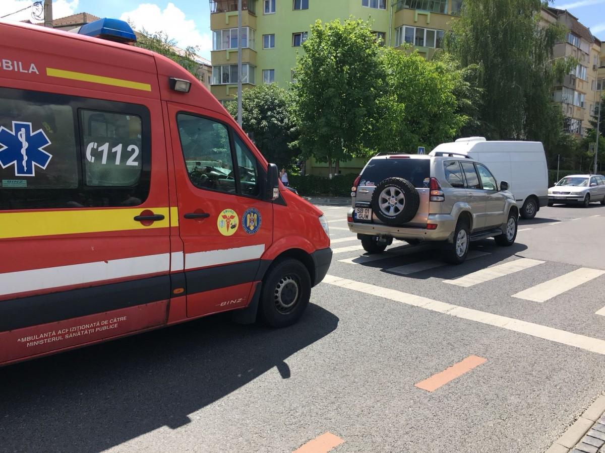 Accident pe Bd. Mihai Viteazu: bărbat de 54 de ani lovit pe trecerea de pietoni