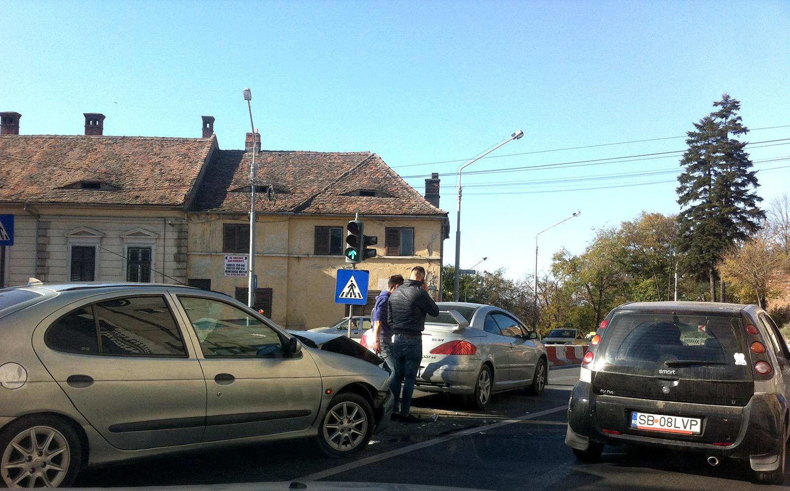 Numărul accidentelor a crescut 8,5% în ultimul an în Sibiu. Avem un service la 444 de mașini