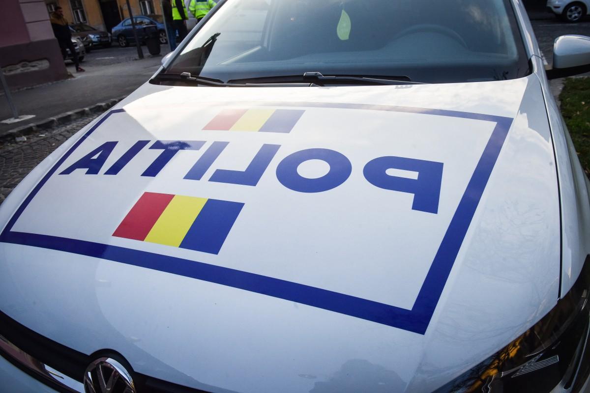 ACTUALIZARE Două tinere și un taximetrist, înjunghiați în stația de la Roger