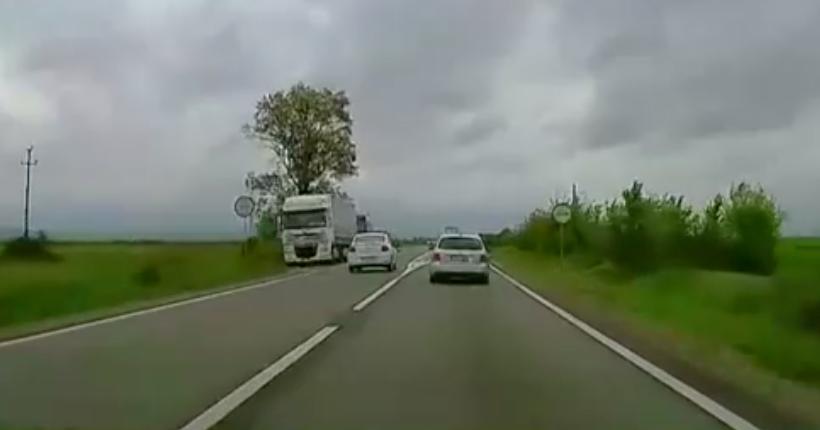 VIDEO-Sinucidere la volan, pe DN 1? Șoferul a murit pe loc