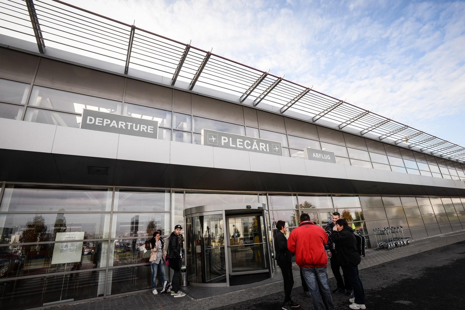 Oamenii se plâng că nu e apă potabilă la Aeroportul Internațional Sibiu