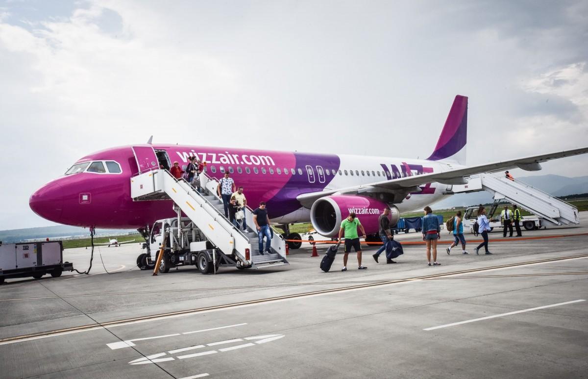 Wizz Air suspendă trei curse de pe aeroportul sibian. Temporar