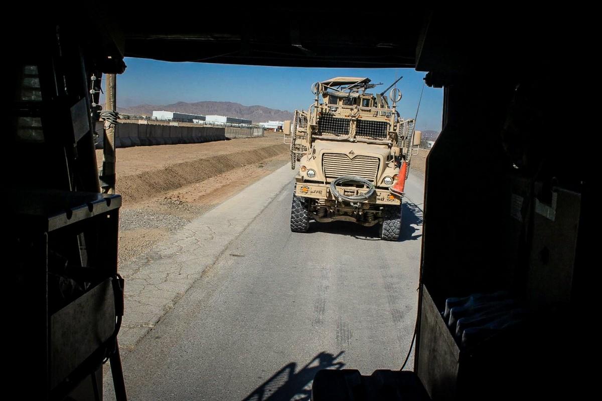 Un mort și doimilitari români, răniți în Afganistan