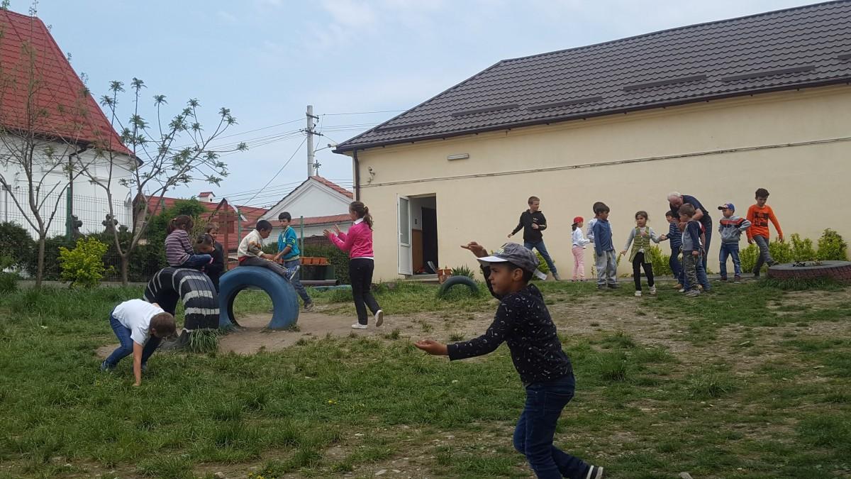 """Unde se pune în practică programul """"Școala după școală"""" în Sibiu și de ce îmbunătățiri are nevoie"""