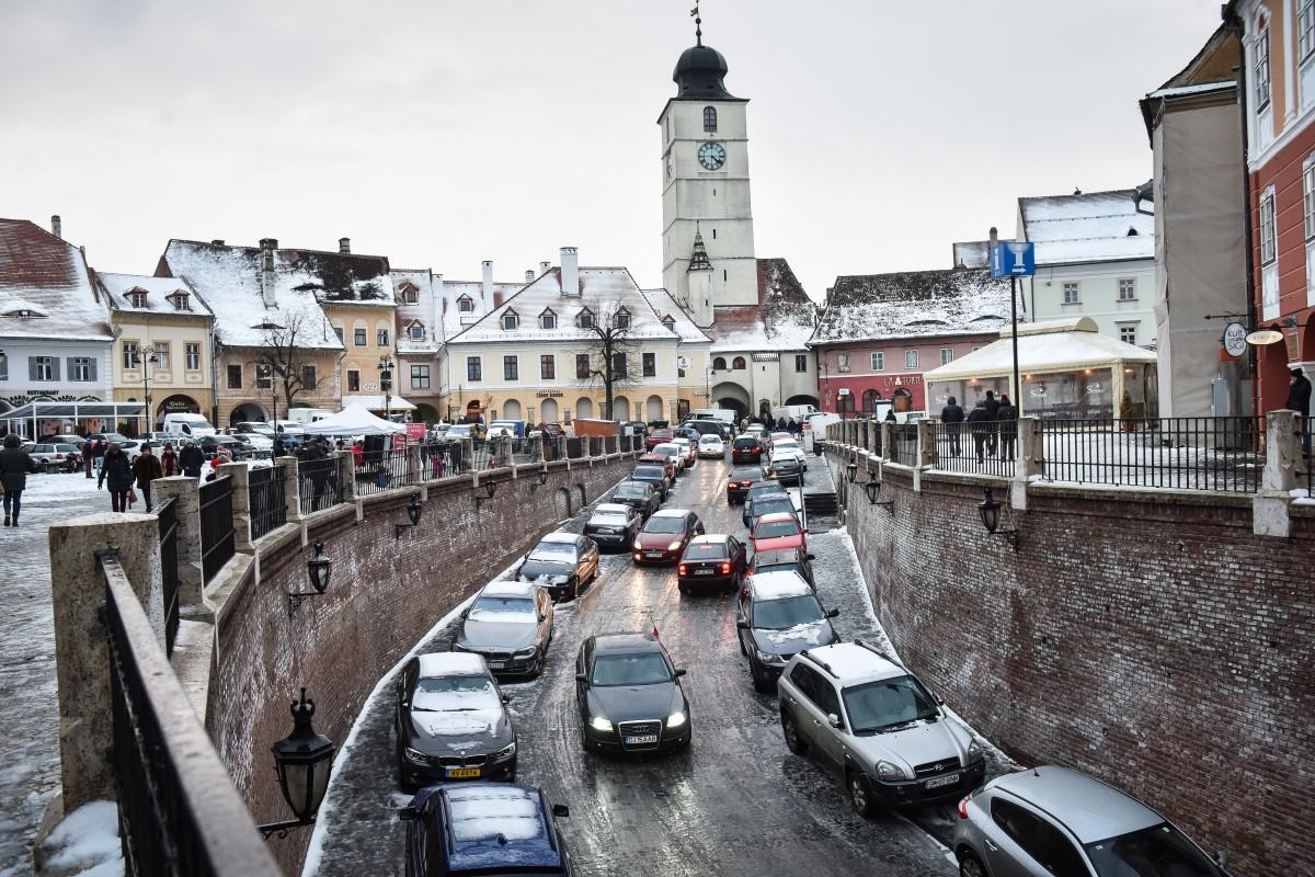 Primăriaintroduce amenzi pentru șoferii care își parchează mașinile în Centrul istoric