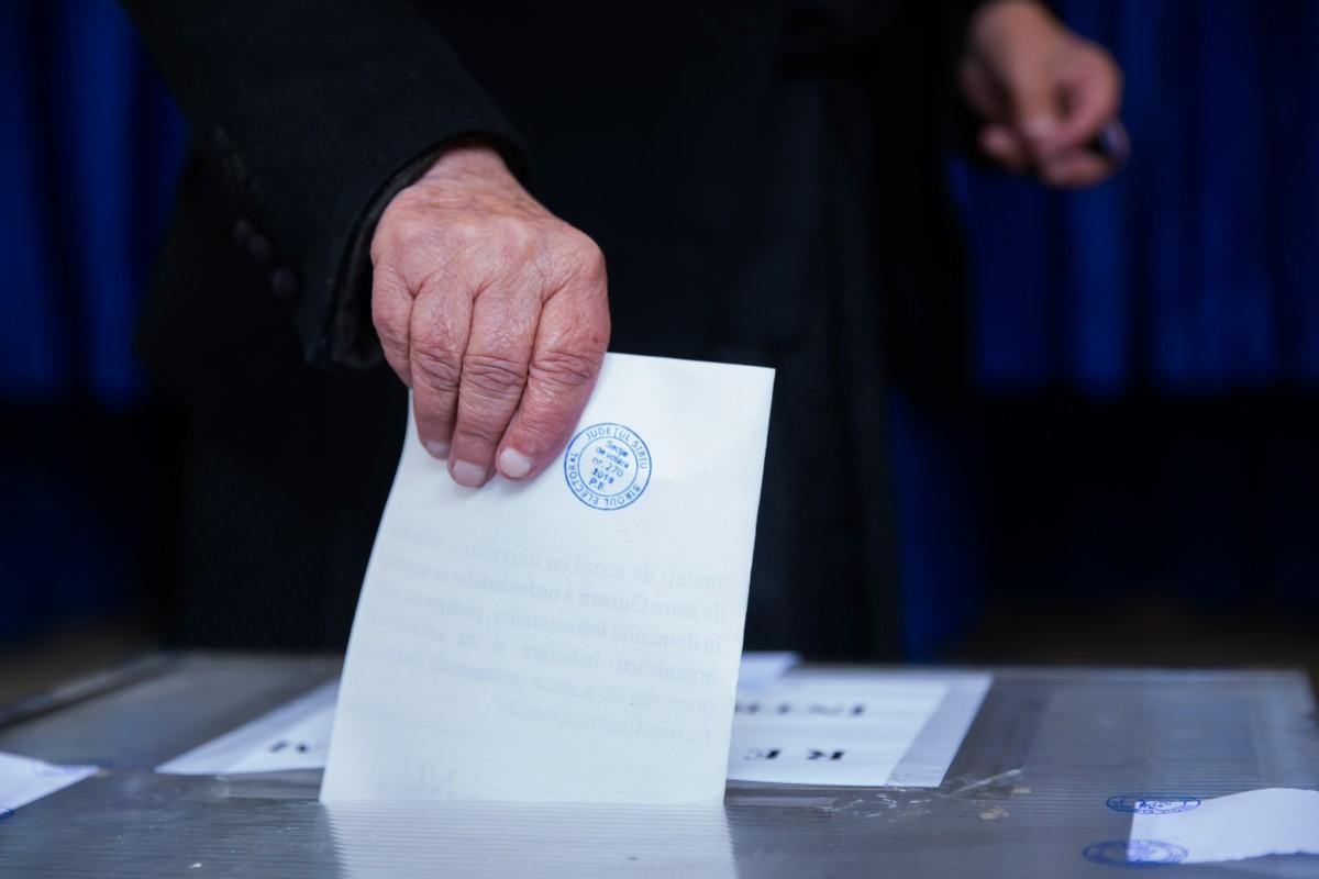 Cifrele votului. Turcan, Barna și Iohannis au câștigat alegerile în secțiile lor. Trif, nu