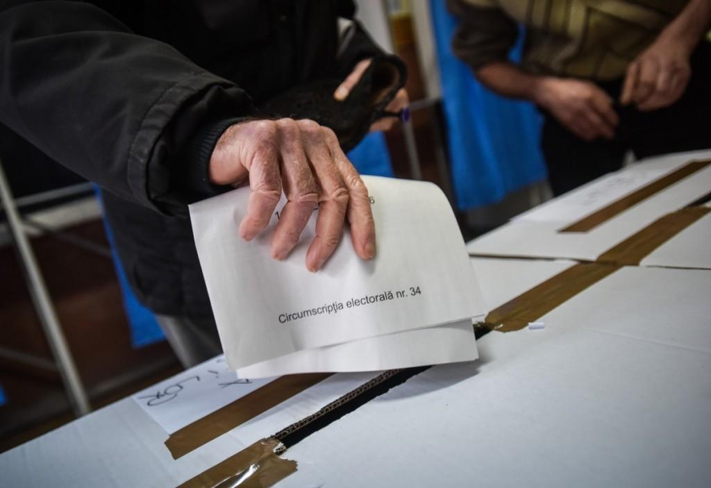 """""""Penalii trebuie înlocuiți cu oameni noi"""" - o nouă campanie în România"""