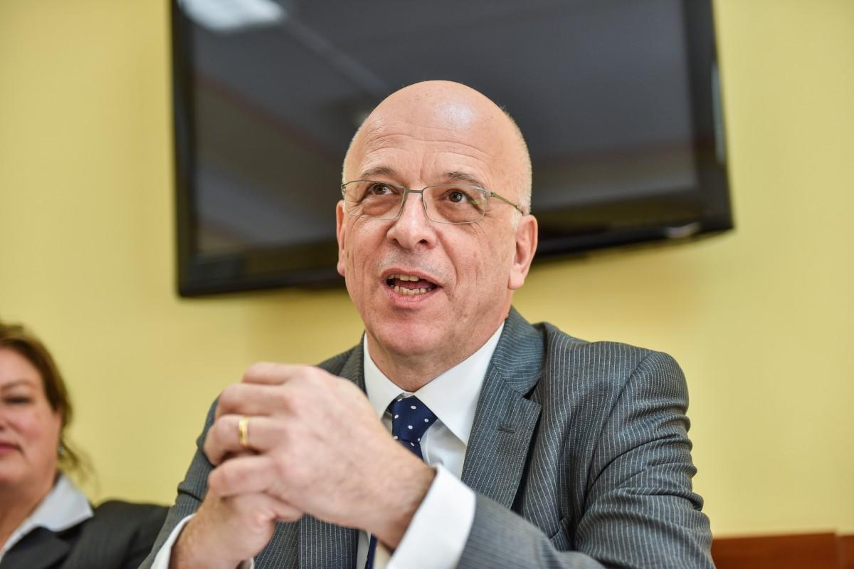 Ambasadorul Germaniei: Companiile germane nu-şi vor face bagajele prea curând. Pot face faţă câtorva furtuni puternice